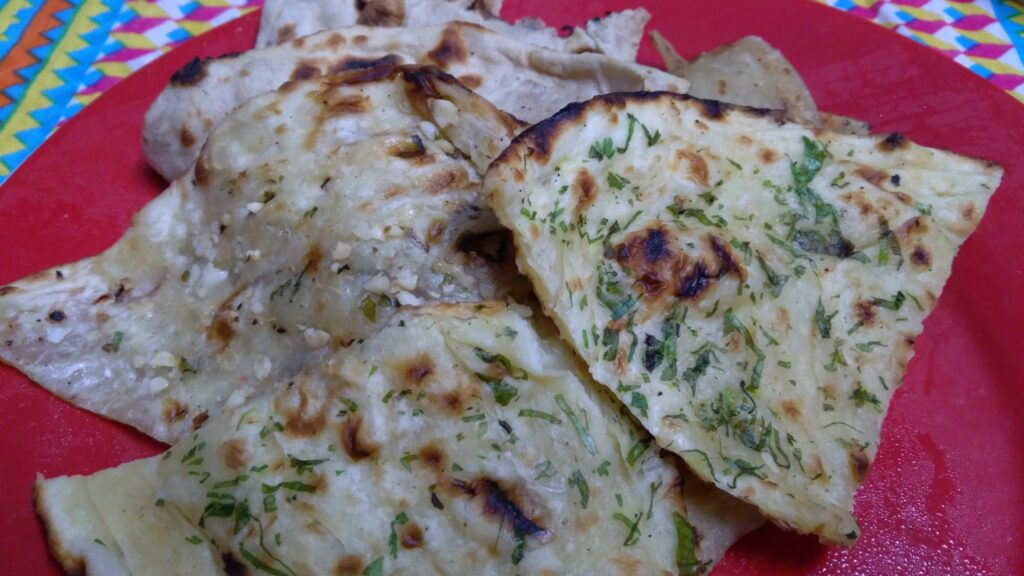 Butter Garlic Naans - Curry Me Up